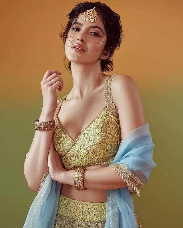PHOTOS:- Shanaya Kapoor showed her traditional avatar, see photos