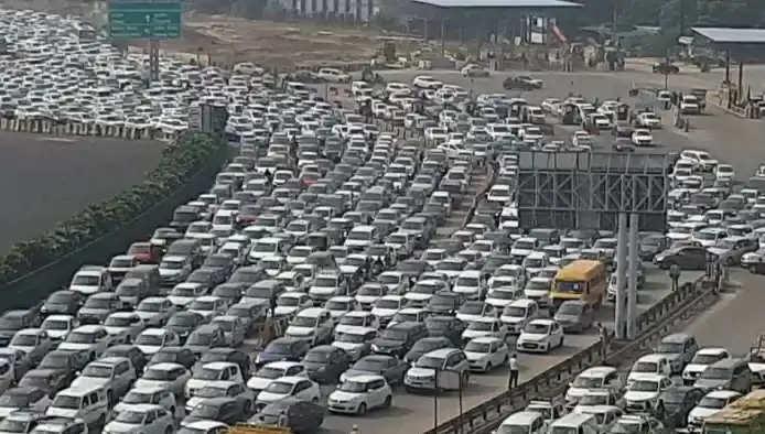 Bharat Bandh: Heavy traffic jam on Gurugram-Delhi border, such as the situation