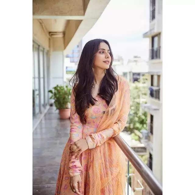 PHOTOS:- Rakul Preet Singh showed her beautiful avatar!