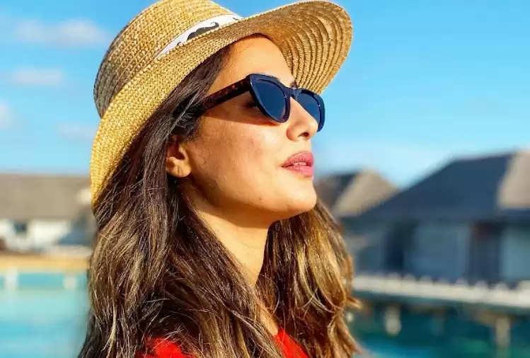 Hina Khan enjoying a vacation in the Maldives!